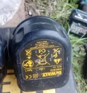 Зарядное устройство + два аккумулятора