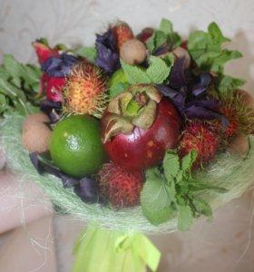 Букет из экзотических фруктов