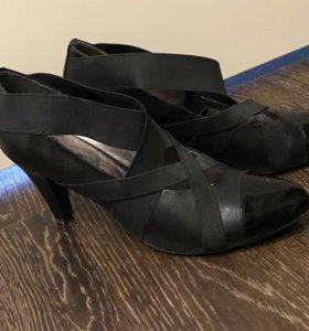 Кожаные туфли и босоножки