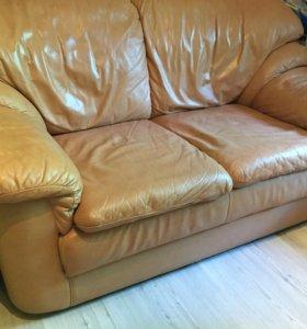 Кожаные диван и кресла для дачи и отдыха