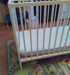 Детская кроватка Икеа с матрасом