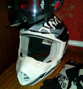 Шлем, очки, перчатки