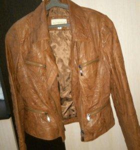 Кожаная фирменная куртка