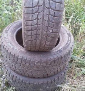 Продам шины зимние 3 шт
