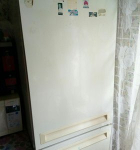 Холодильник. Stinol.
