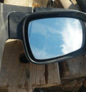 продаю зеркало УАЗ Патриот