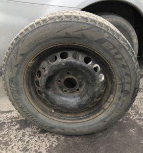 Колёса Bridgestone Blizzak Dm-v2 215 65 16