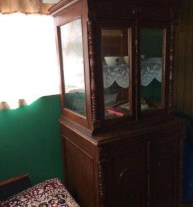 Антикварный шкаф,