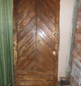 дверь натур.дерево ручной работы
