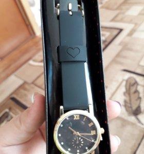 Продам часы Avon