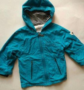 Ветровочная куртка