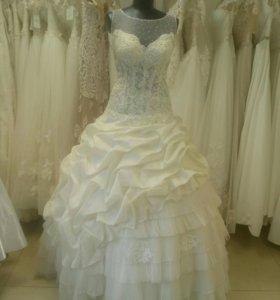 Свадебное платье с подборами