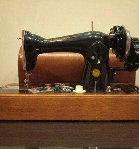 Ручная швейная машина Подольск 2М
