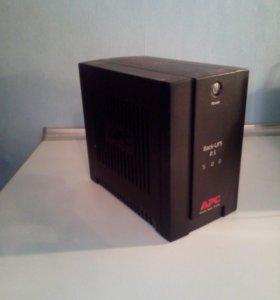 Источник бесперебойного питания Back UPS RS 500