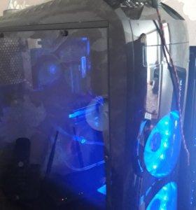 Игровой компьютер, монитор и клавиатура