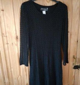 Платье кружевное на подкладке, хорошо тянется