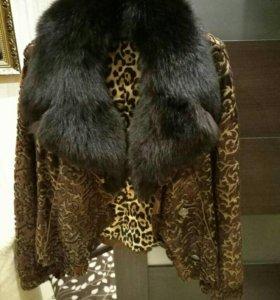 Красивая меховая куртка италия