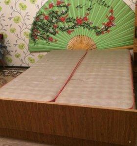 Продам двух спальню кровать с двумя тумбочками