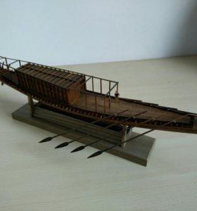Лодка ручной сборки