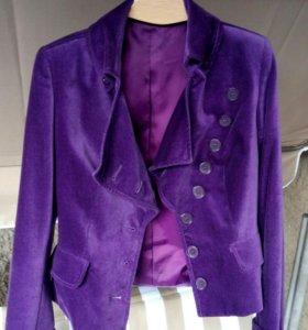 Пиджак бархатный новый