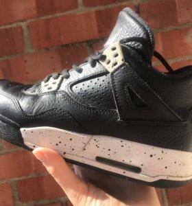 Кроссовки Nike Air Jordan retro 4