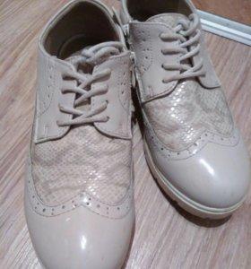 Ботинки осенние на девочку 33 размер