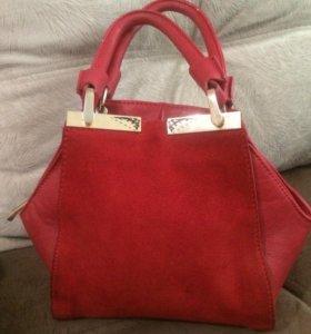 Дамская сумочка.