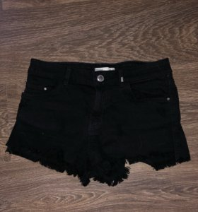 Чёрные шорты