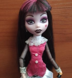 Кукла Monster High Дракулаура Базовая