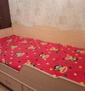 Детская кровать +матрац