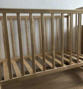 Детская кроватка с матрасом!