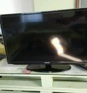 Телевизор Samsung 32 5000 серия
