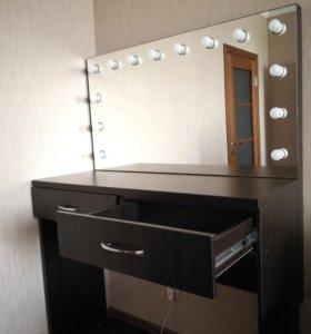 Гримерный стол (для визажиста/бровиста)