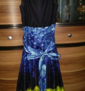 Милое черно-синее платье