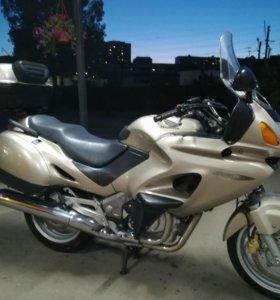 Honda NT650 deauville