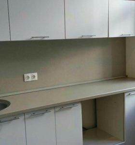 Кухня мдф 238см ширина+ мойка+смеситель.новая.