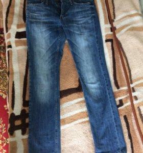 Джинсы (новые), одевал пару раз