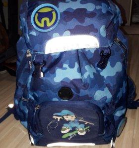 Ранец-рюкзак школьный Beckman