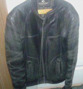 Куртка кожаная демисезонная мужская