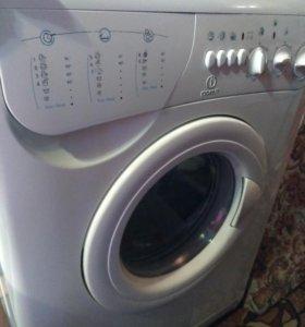 Стиральная машина Indesit ws84tx СРОЧНо