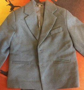 костюм пиджак и брючки