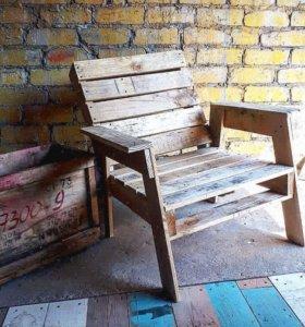 Кресло из поддонов (палет).