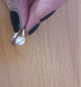 Кольцо с фианитом(серебро)