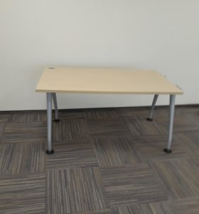 Стол для сотрудников