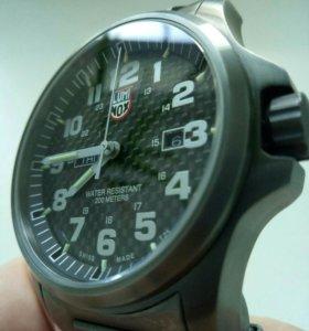 Часы LUMINOX 1922 Швейцария.