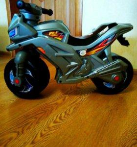 новый мотоцикл-беговел