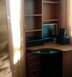 Угловой шкаф с компьютерным столом