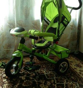 Детский трёхколёсный велосипед в идеальном состоян