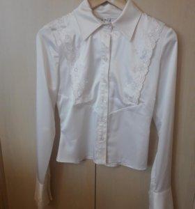 Блузка женская 36 размер новая.