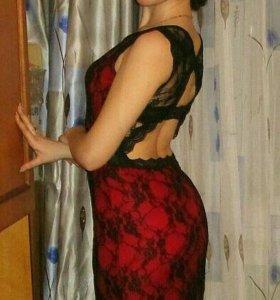 Платье с открытой спинкой и шлейфом 42-46